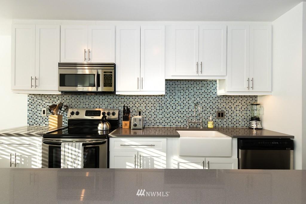 Sold Property   308 E Republican Street #701 Seattle, WA 98102 8