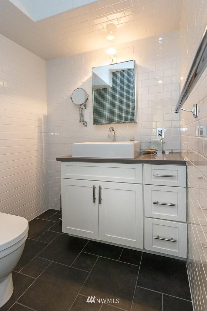 Sold Property   308 E Republican Street #701 Seattle, WA 98102 13