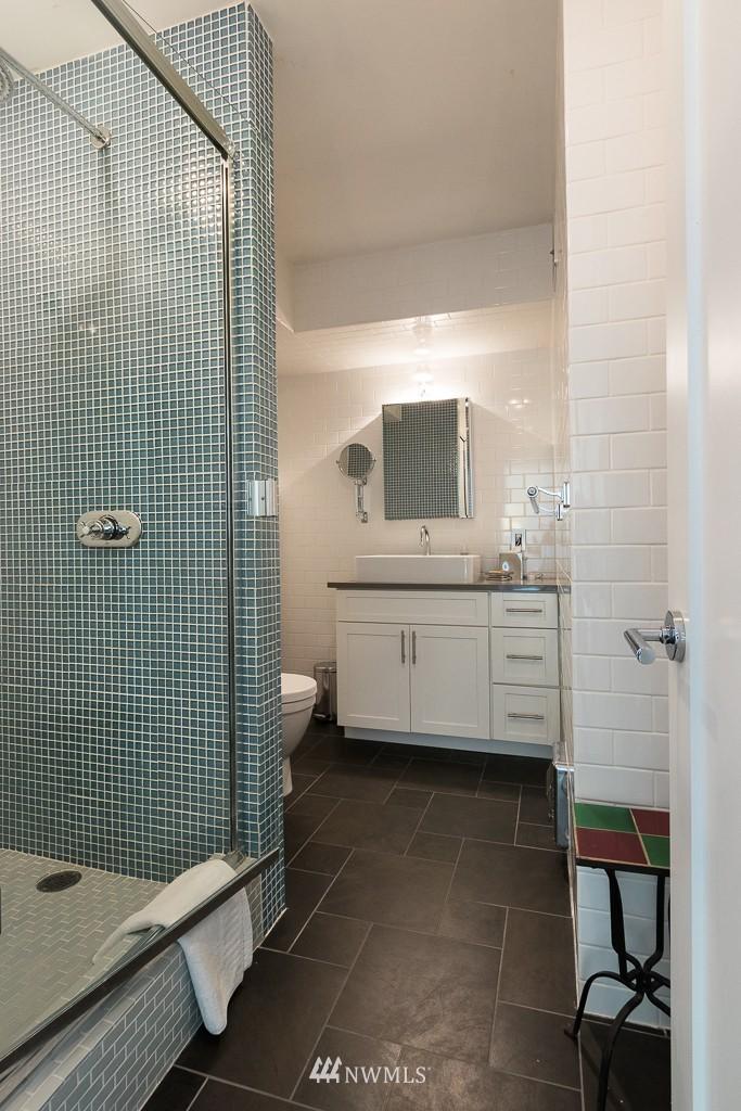 Sold Property   308 E Republican Street #701 Seattle, WA 98102 14