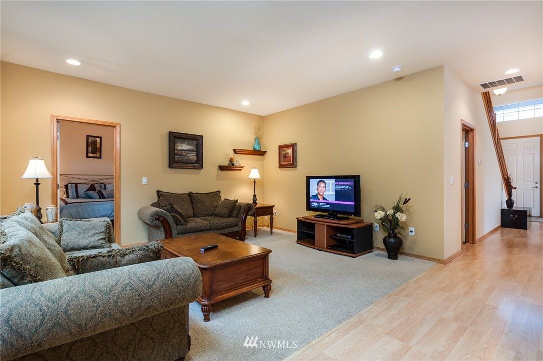Sold Property | 8618 NE 201st Place Bothell, WA 98011 6