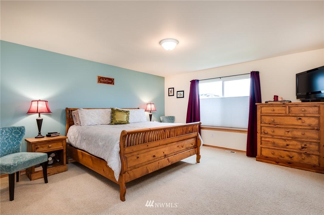 Sold Property | 8618 NE 201st Place Bothell, WA 98011 17