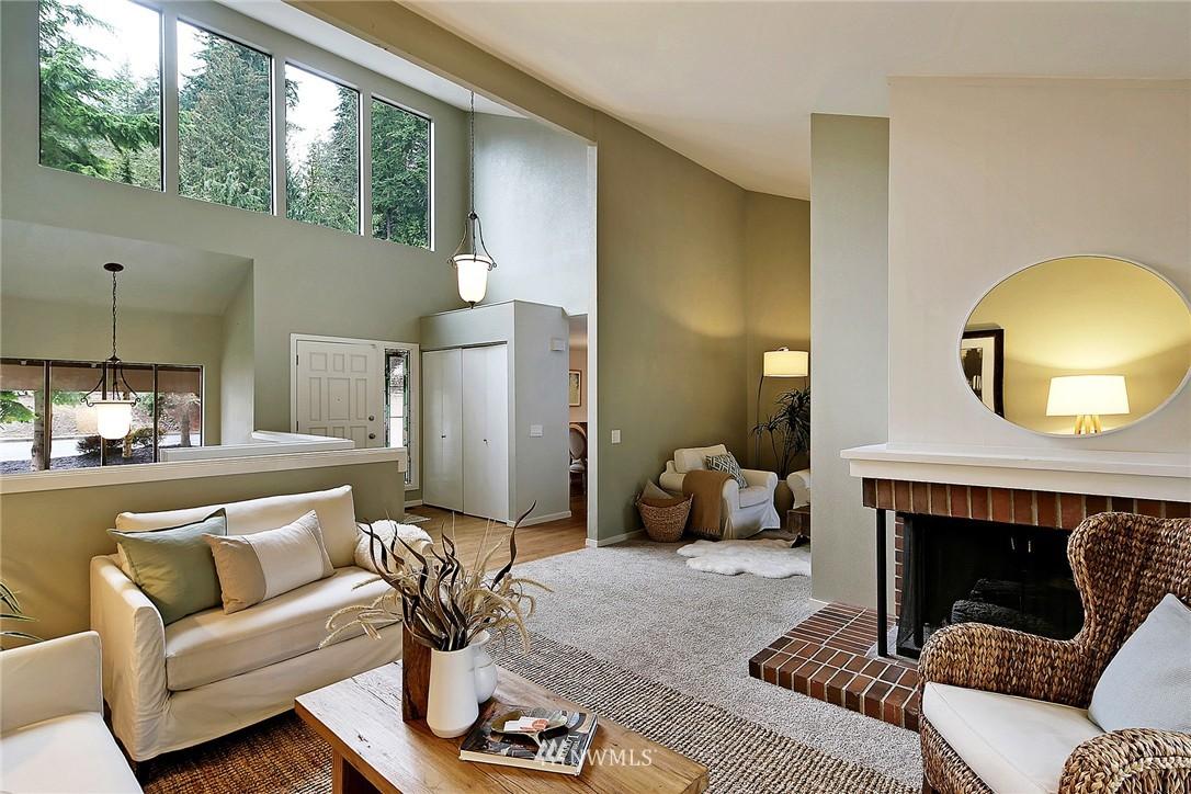 Sold Property | 17172 SE 40th Place Bellevue, WA 98008 1