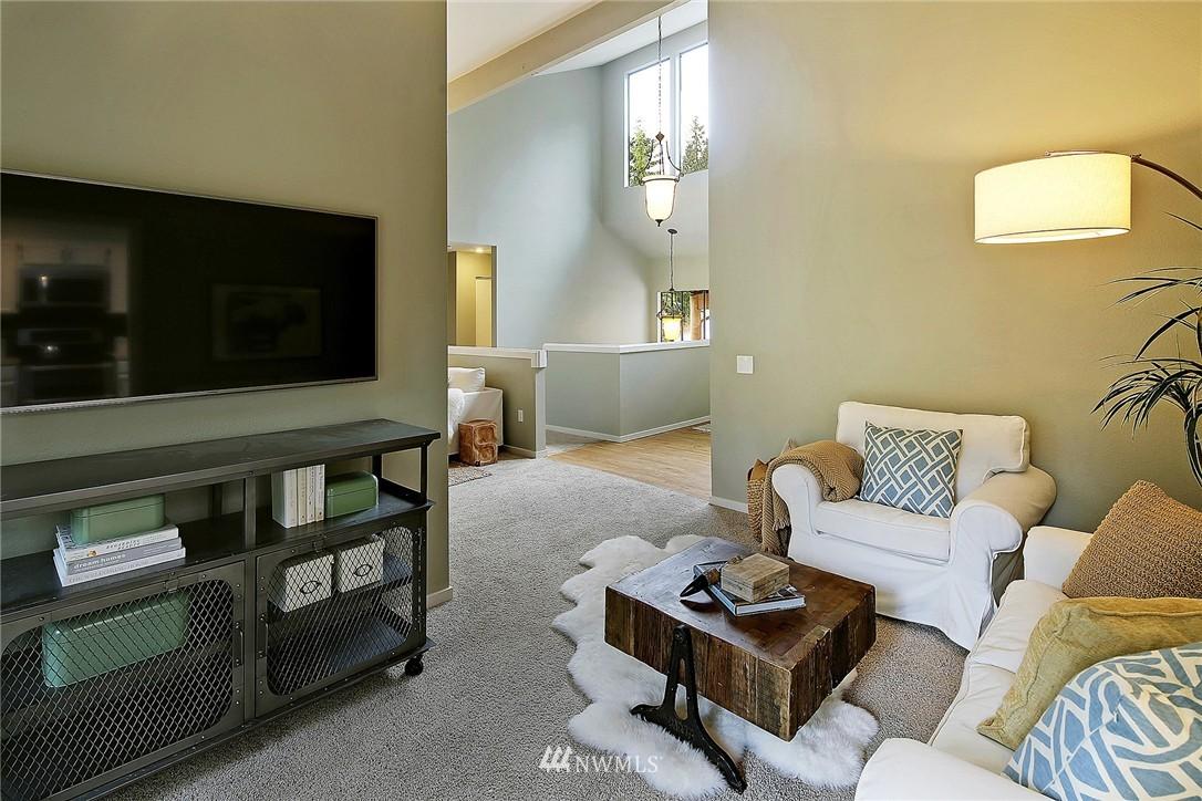 Sold Property | 17172 SE 40th Place Bellevue, WA 98008 3
