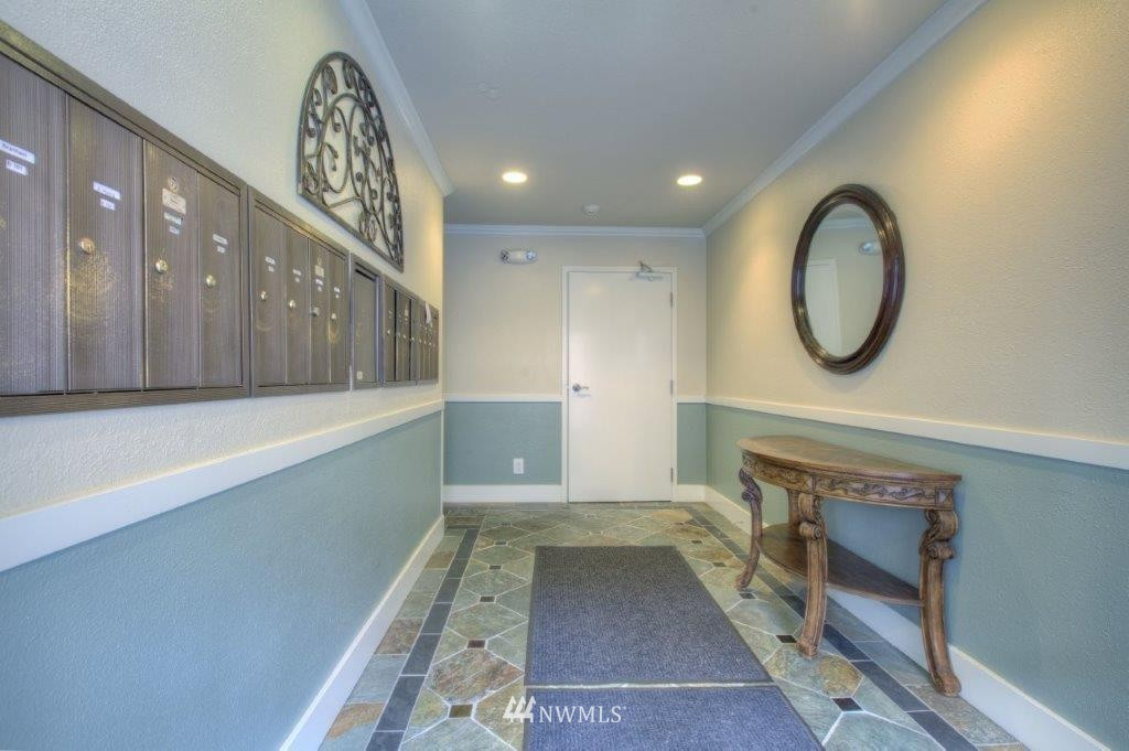 Sold Property | 937 N 200th Street #B303 Shoreline, WA 98133 1