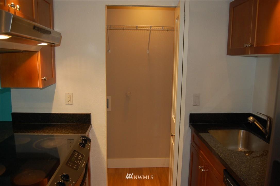 Sold Property | 937 N 200th Street #B303 Shoreline, WA 98133 5
