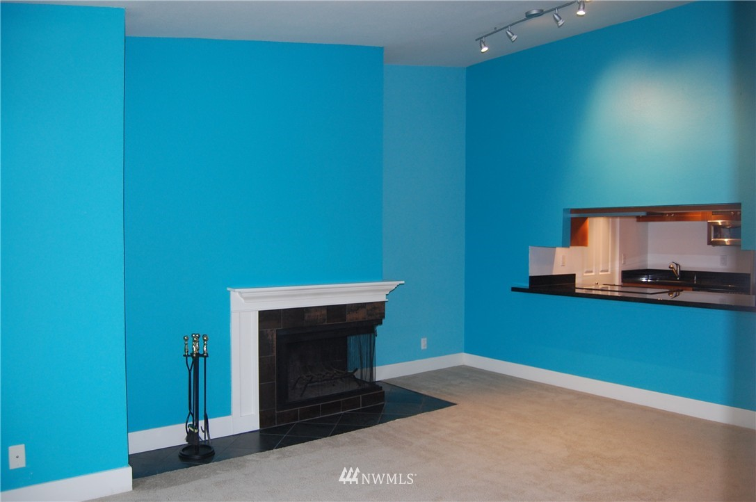 Sold Property | 937 N 200th Street #B303 Shoreline, WA 98133 10