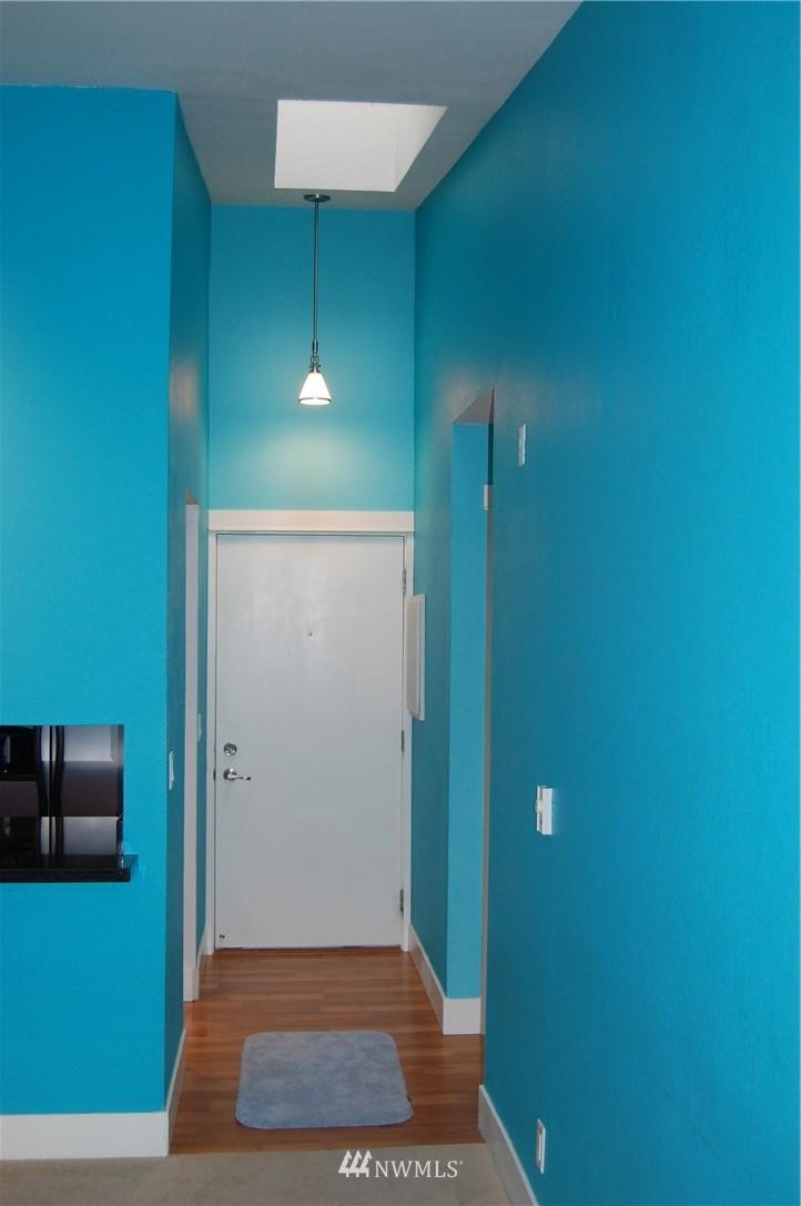 Sold Property | 937 N 200th Street #B303 Shoreline, WA 98133 11