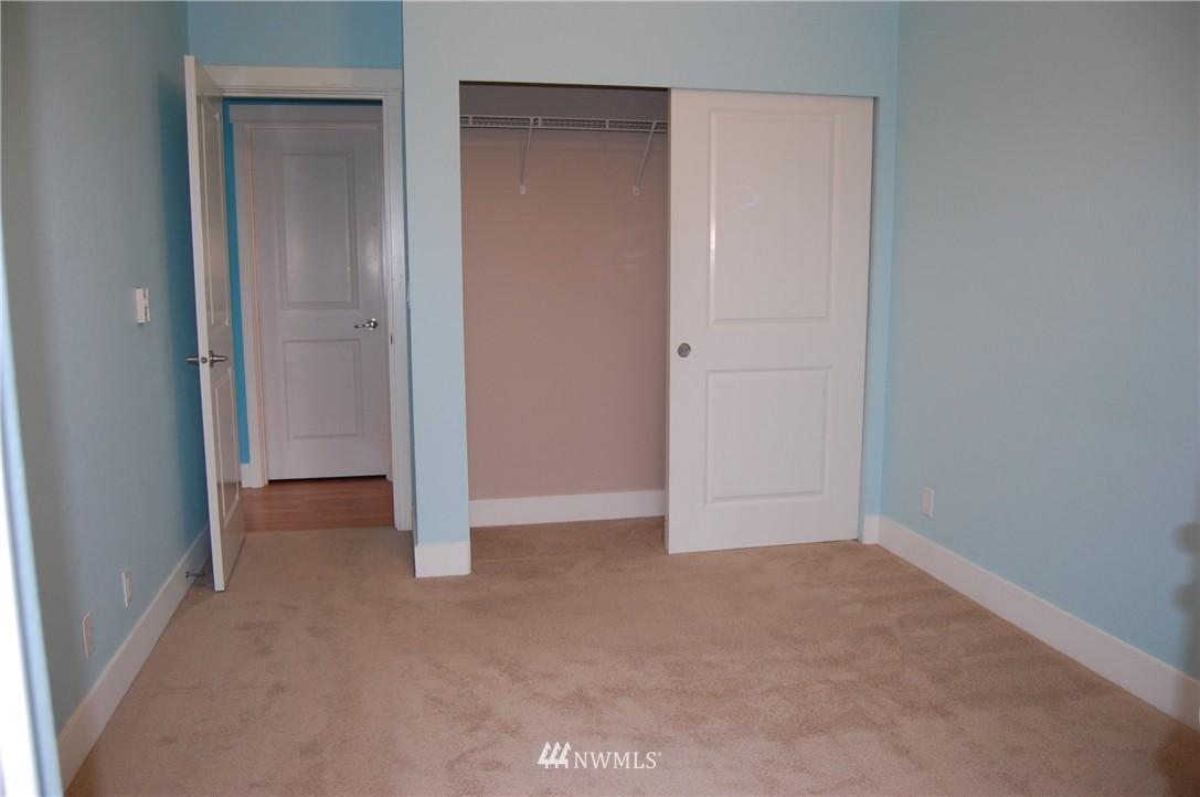 Sold Property | 937 N 200th Street #B303 Shoreline, WA 98133 12