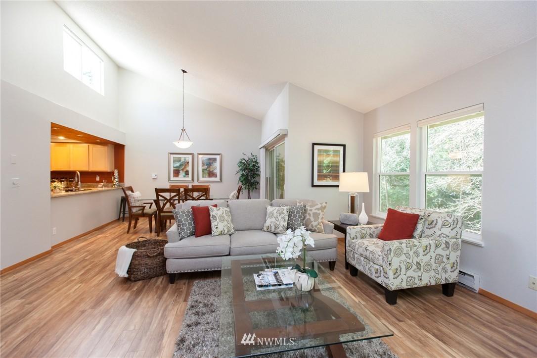 Sold Property | 14651 NE 40th Street #G2 Bellevue, WA 98007 2