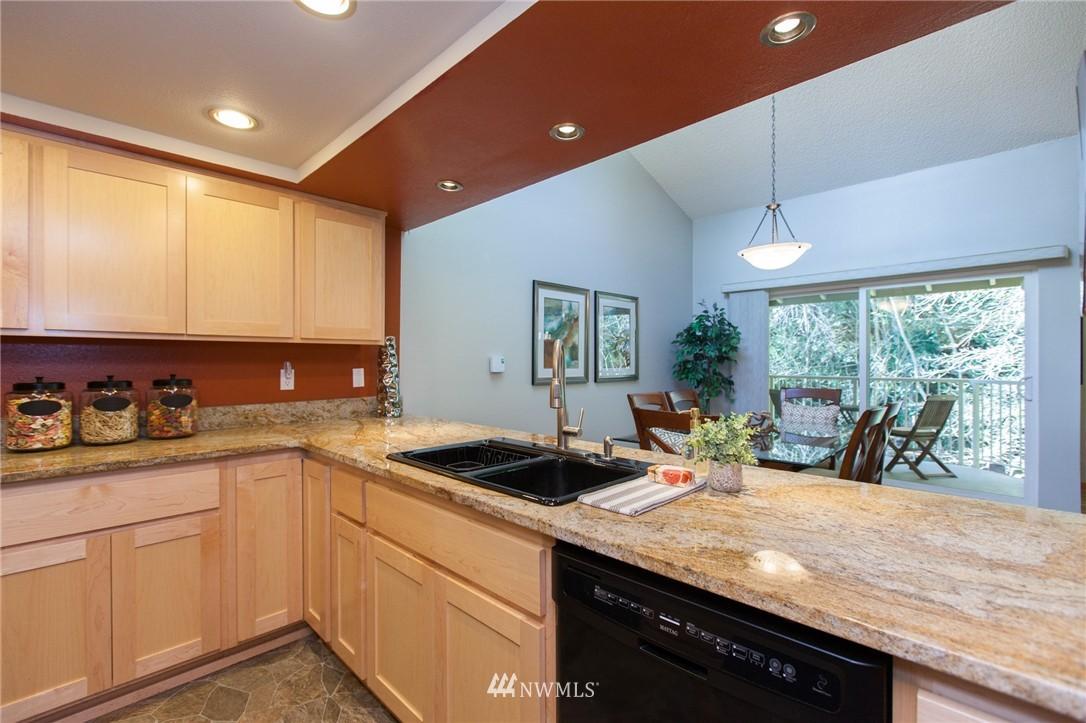 Sold Property | 14651 NE 40th Street #G2 Bellevue, WA 98007 6