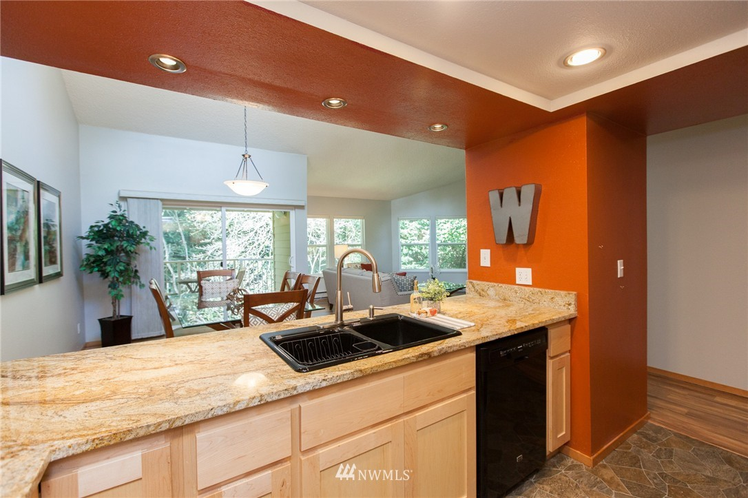 Sold Property | 14651 NE 40th Street #G2 Bellevue, WA 98007 7