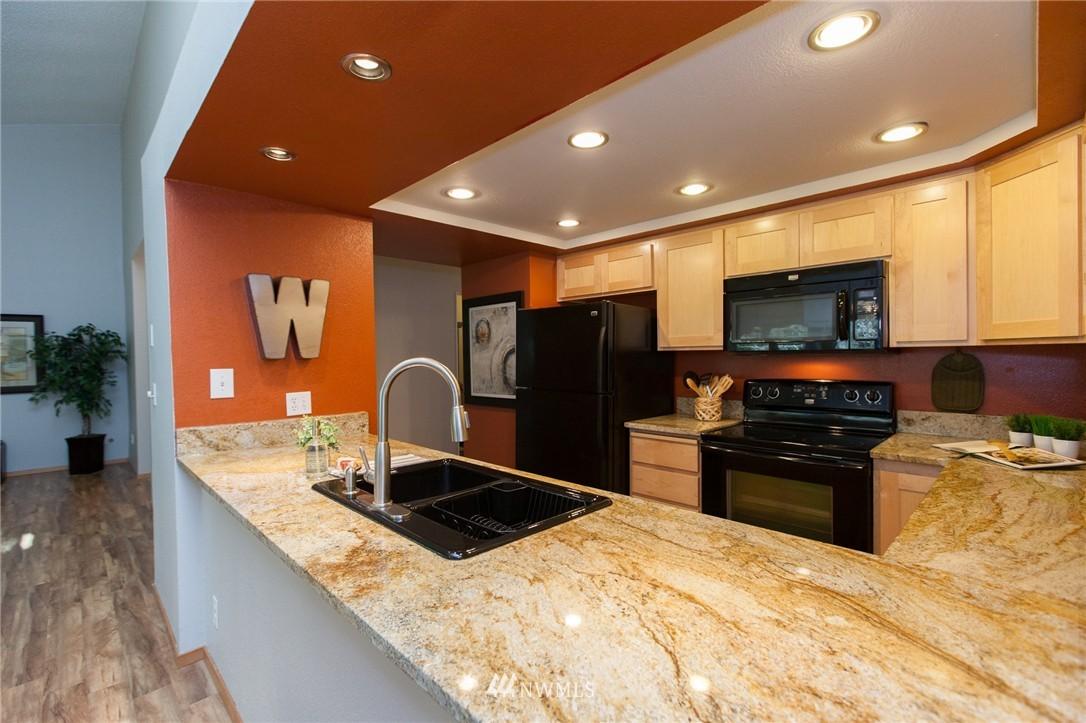 Sold Property | 14651 NE 40th Street #G2 Bellevue, WA 98007 8