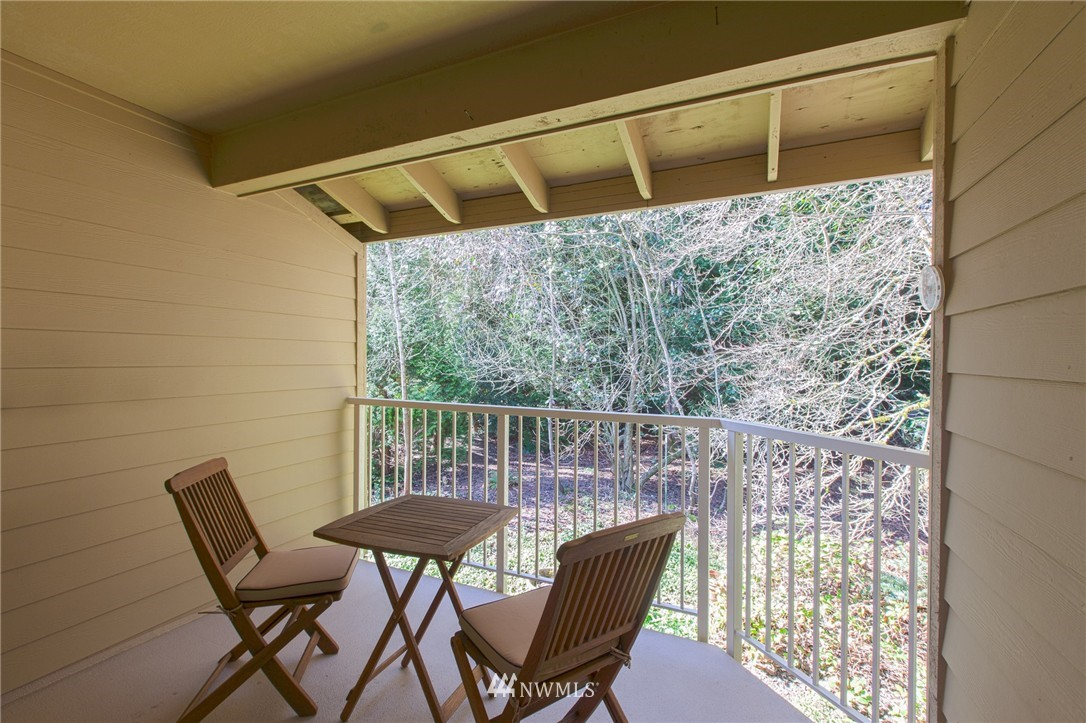 Sold Property | 14651 NE 40th Street #G2 Bellevue, WA 98007 18