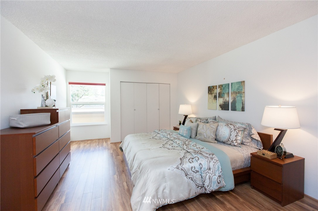 Sold Property | 14651 NE 40th Street #G2 Bellevue, WA 98007 9