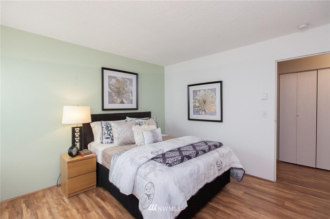Sold Property | 14651 NE 40th Street #G2 Bellevue, WA 98007 16