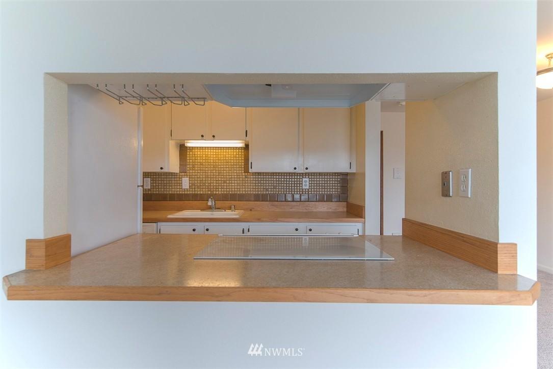 Sold Property   9558 Greenwood Avenue N #105 Seattle, WA 98103 8