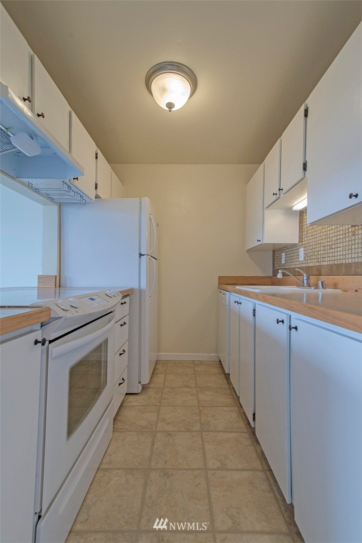 Sold Property   9558 Greenwood Avenue N #105 Seattle, WA 98103 9