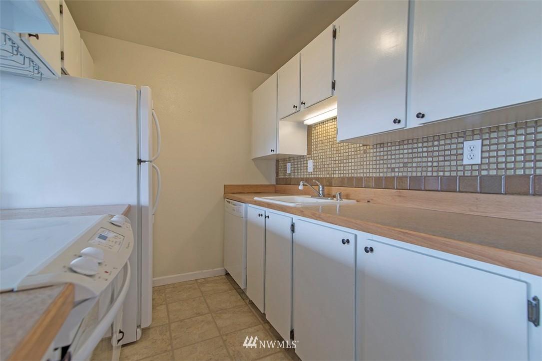 Sold Property   9558 Greenwood Avenue N #105 Seattle, WA 98103 10