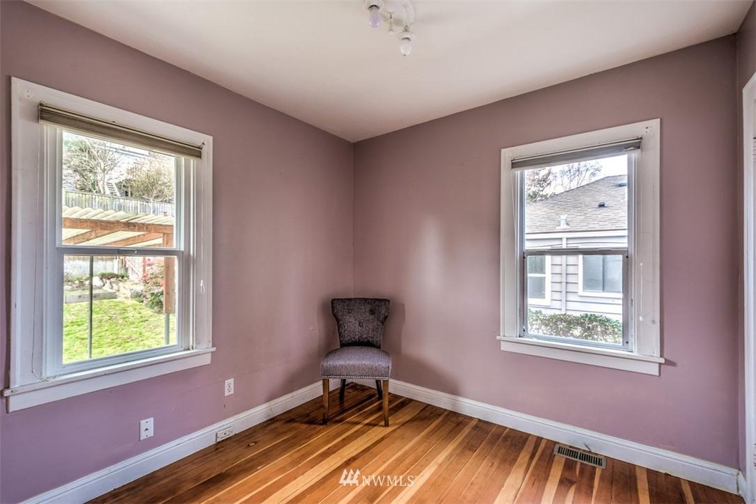 Sold Property   8045 19th Avenue NE Seattle, WA 98115 6