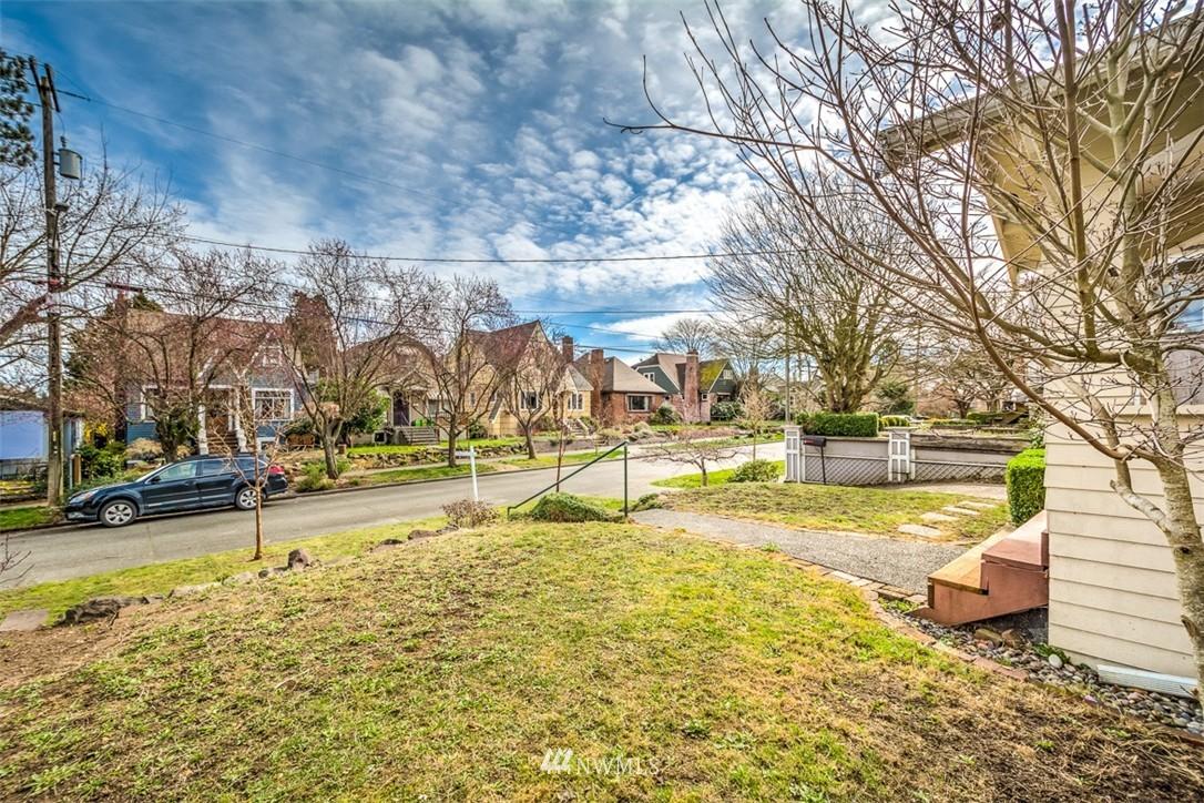 Sold Property   8045 19th Avenue NE Seattle, WA 98115 14