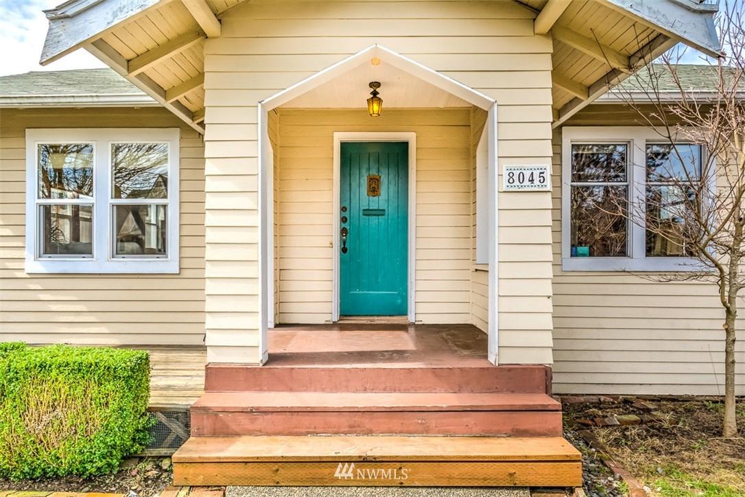 Sold Property   8045 19th Avenue NE Seattle, WA 98115 11