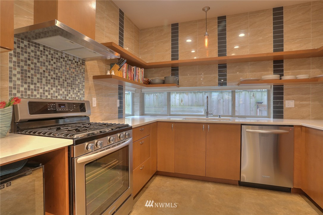 Sold Property | 1535 NW 58th Street Seattle, WA 98107 3