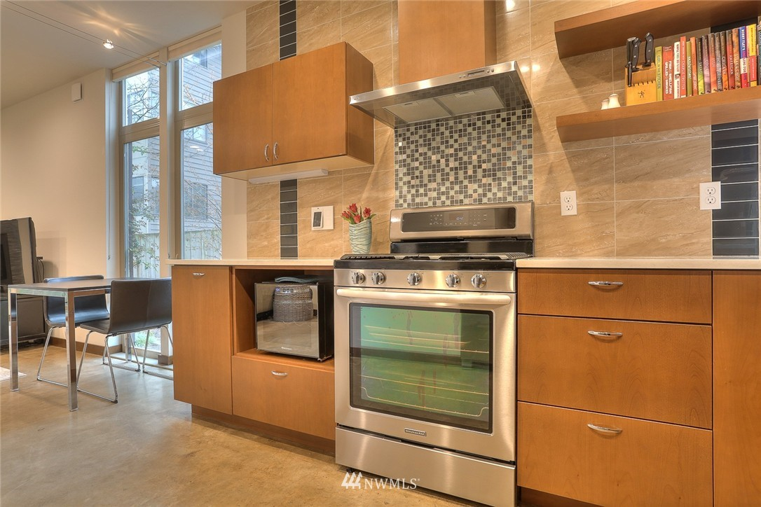 Sold Property | 1535 NW 58th Street Seattle, WA 98107 4