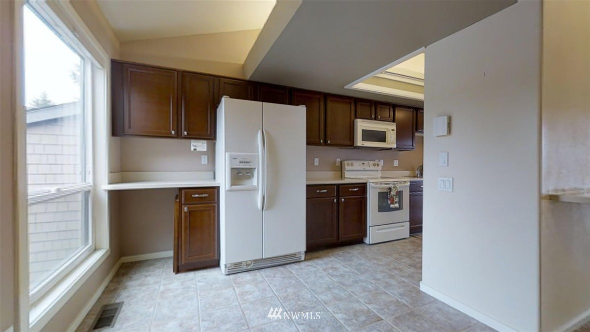 Sold Property   17412 NE 40th Place #A-6 Redmond, WA 98052 8