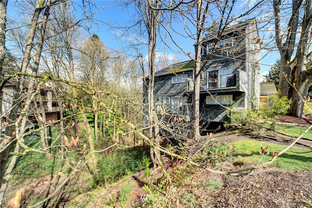 Sold Property | 3406 W Government Way #6 Seattle, WA 98199 20