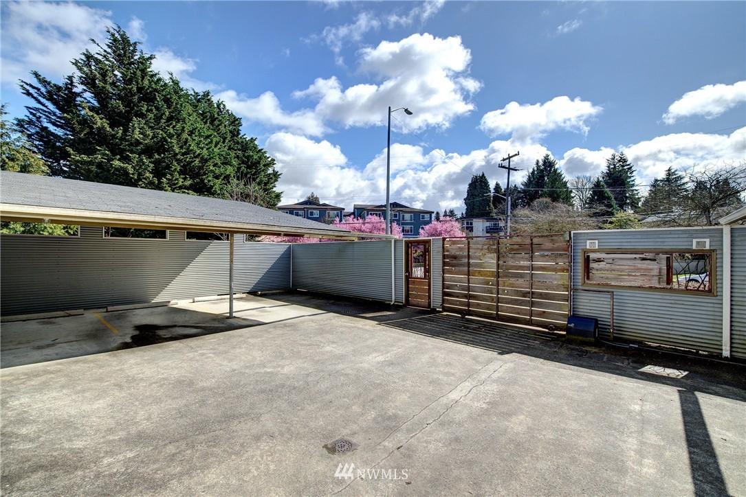 Sold Property | 3406 W Government Way #6 Seattle, WA 98199 17