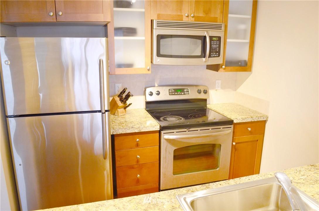 Sold Property | 300 N 130th Street #9-303 Seattle, WA 98133 4