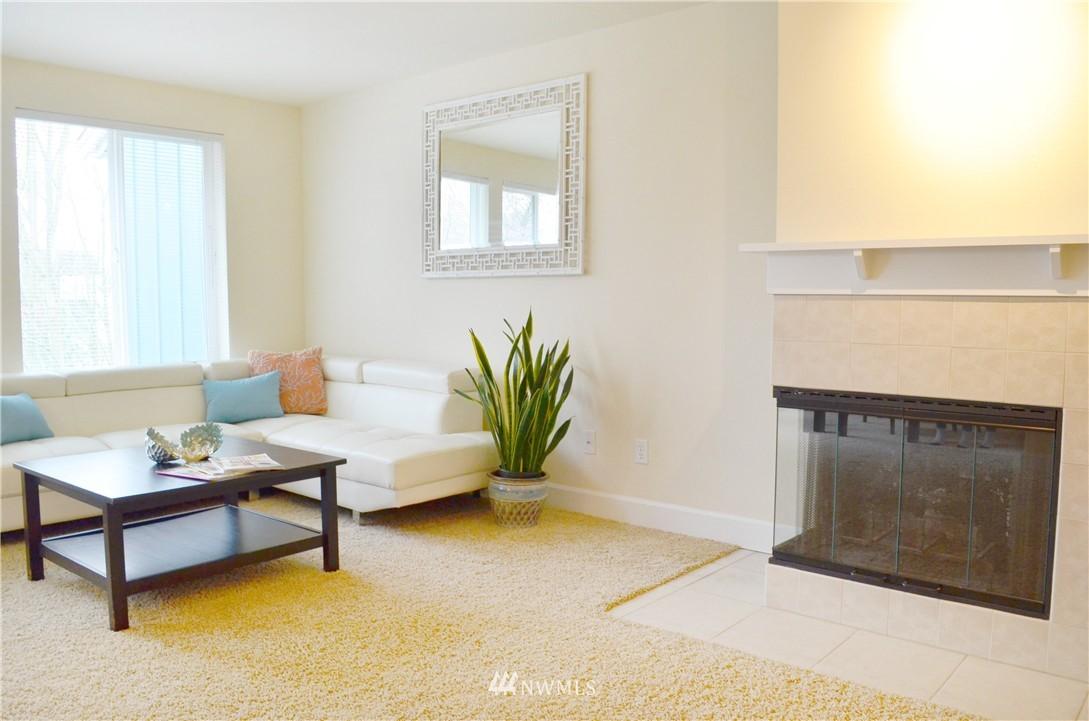 Sold Property | 300 N 130th Street #9-303 Seattle, WA 98133 6