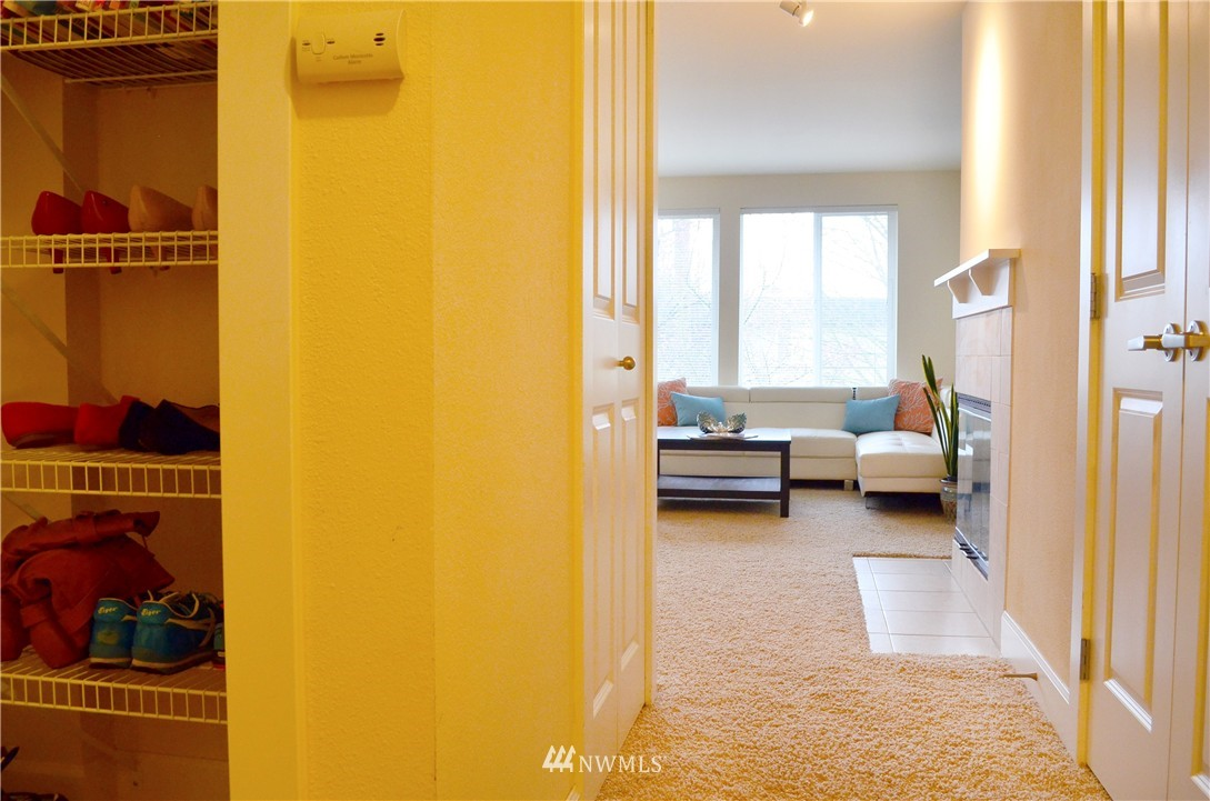 Sold Property | 300 N 130th Street #9-303 Seattle, WA 98133 8