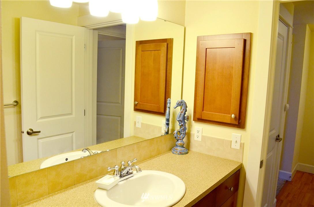 Sold Property | 300 N 130th Street #9-303 Seattle, WA 98133 12