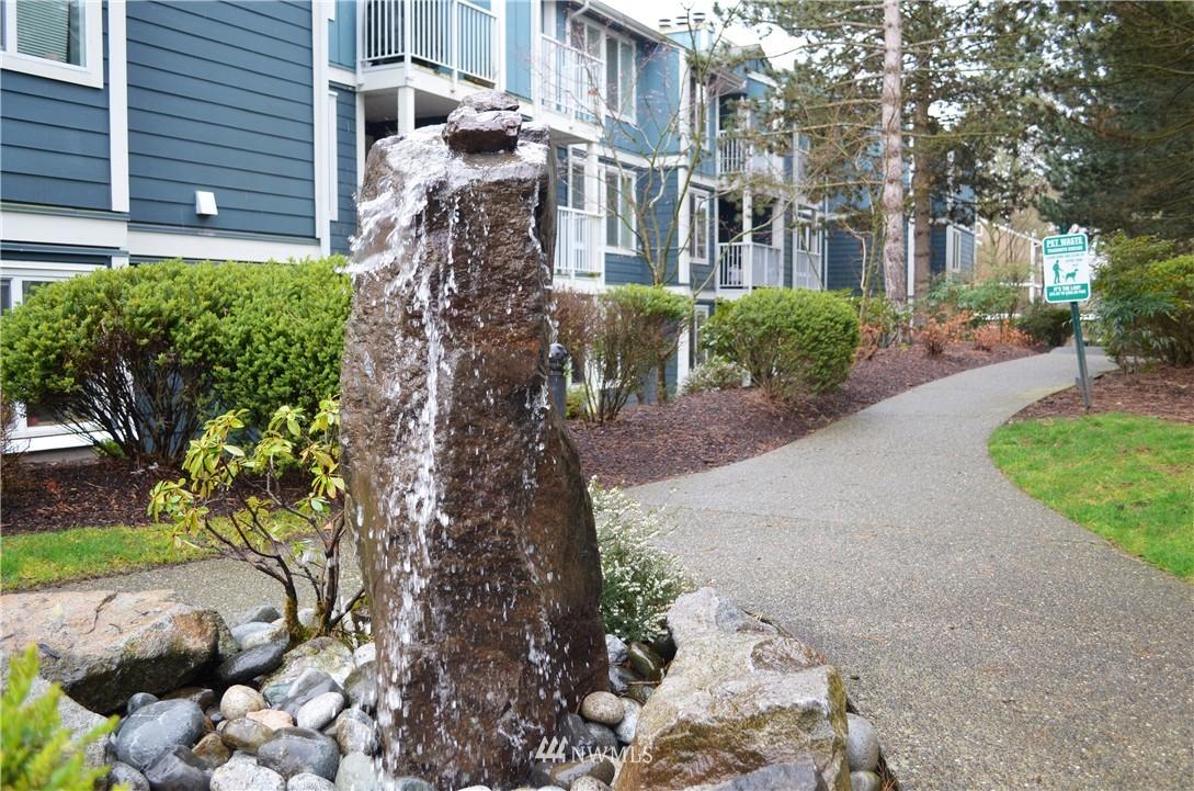 Sold Property | 300 N 130th Street #9-303 Seattle, WA 98133 14