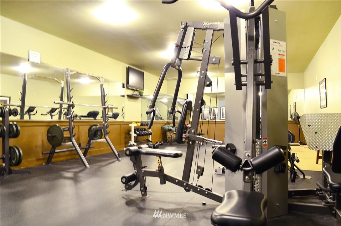 Sold Property | 300 N 130th Street #9-303 Seattle, WA 98133 16