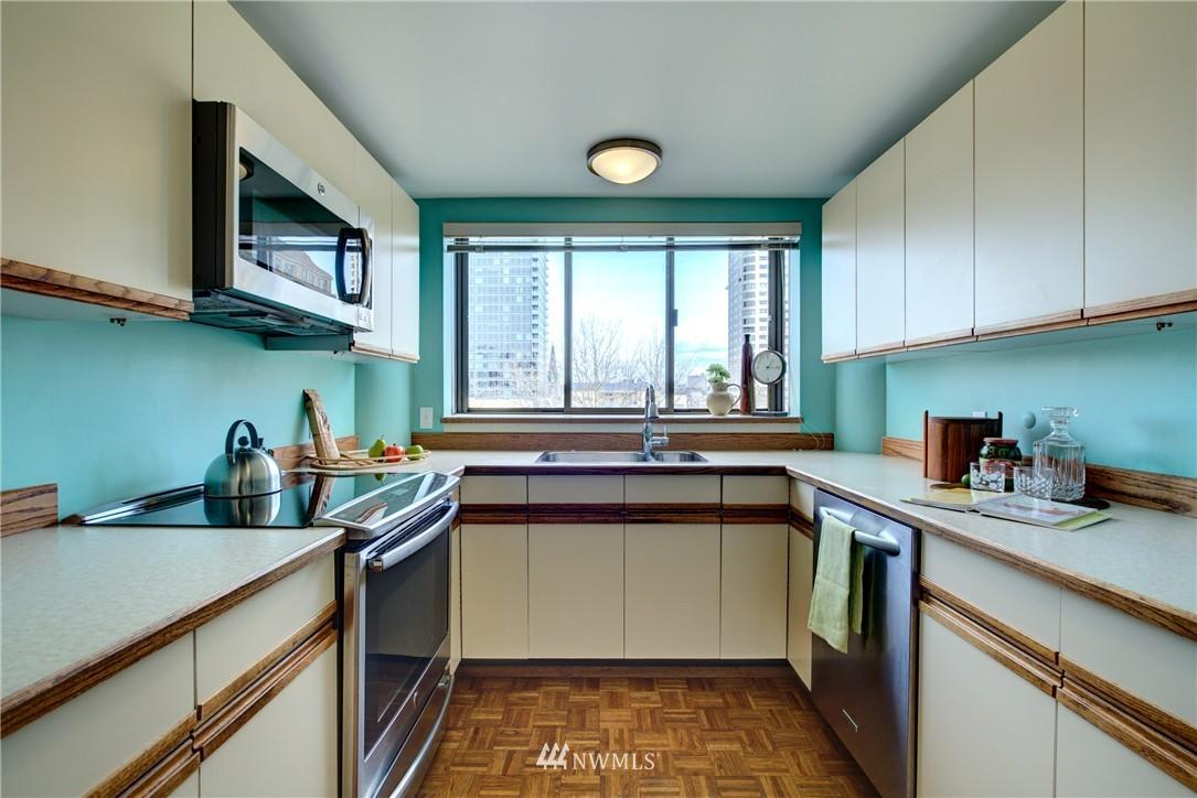 Sold Property | 1120 Spring Street #602 Seattle, WA 98104 7