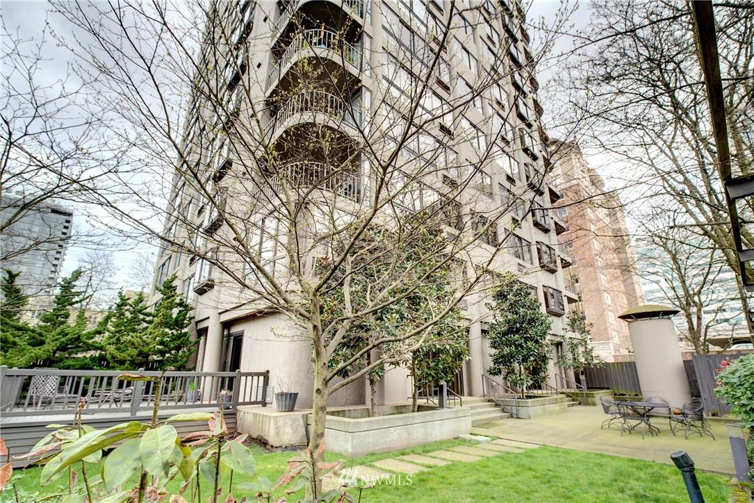 Sold Property | 1120 Spring Street #602 Seattle, WA 98104 20