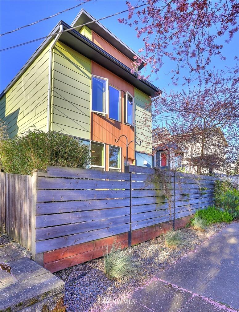 Sold Property   912 NW 51st Street #B Seattle, WA 98107 18