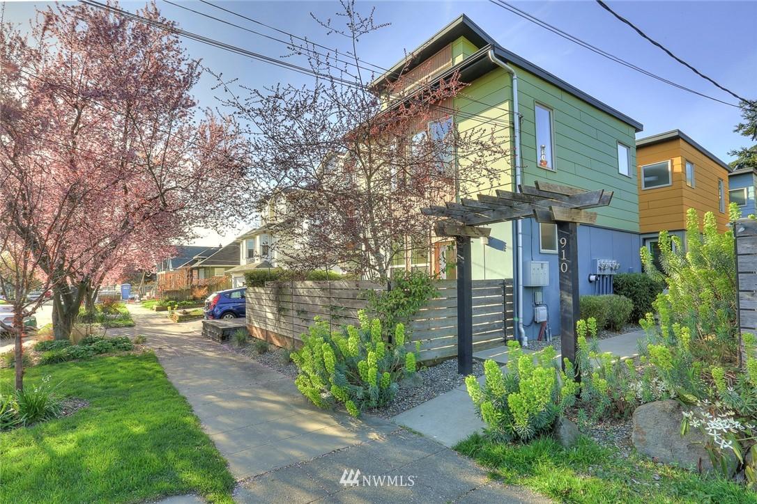 Sold Property   912 NW 51st Street #B Seattle, WA 98107 20