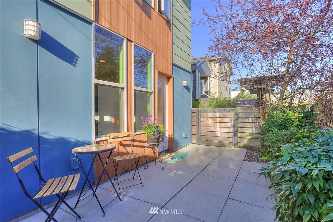 Sold Property   912 NW 51st Street #B Seattle, WA 98107 19