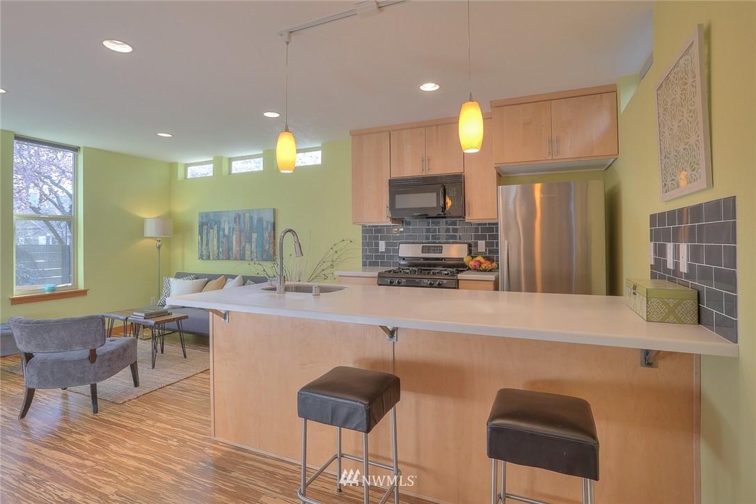 Sold Property   912 NW 51st Street #B Seattle, WA 98107 8