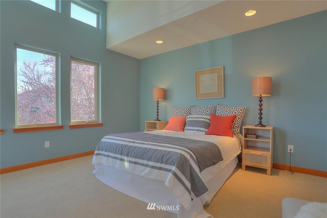 Sold Property   912 NW 51st Street #B Seattle, WA 98107 11