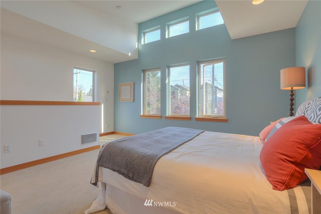 Sold Property   912 NW 51st Street #B Seattle, WA 98107 12
