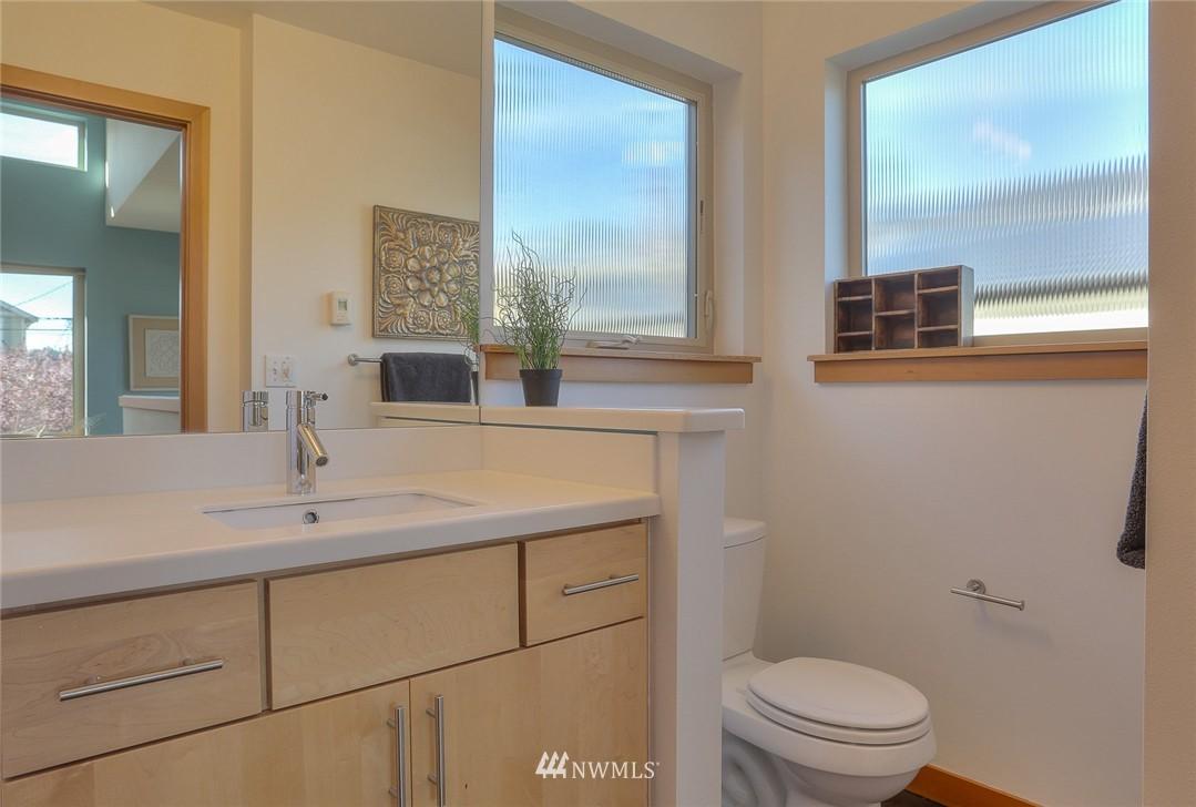 Sold Property   912 NW 51st Street #B Seattle, WA 98107 15