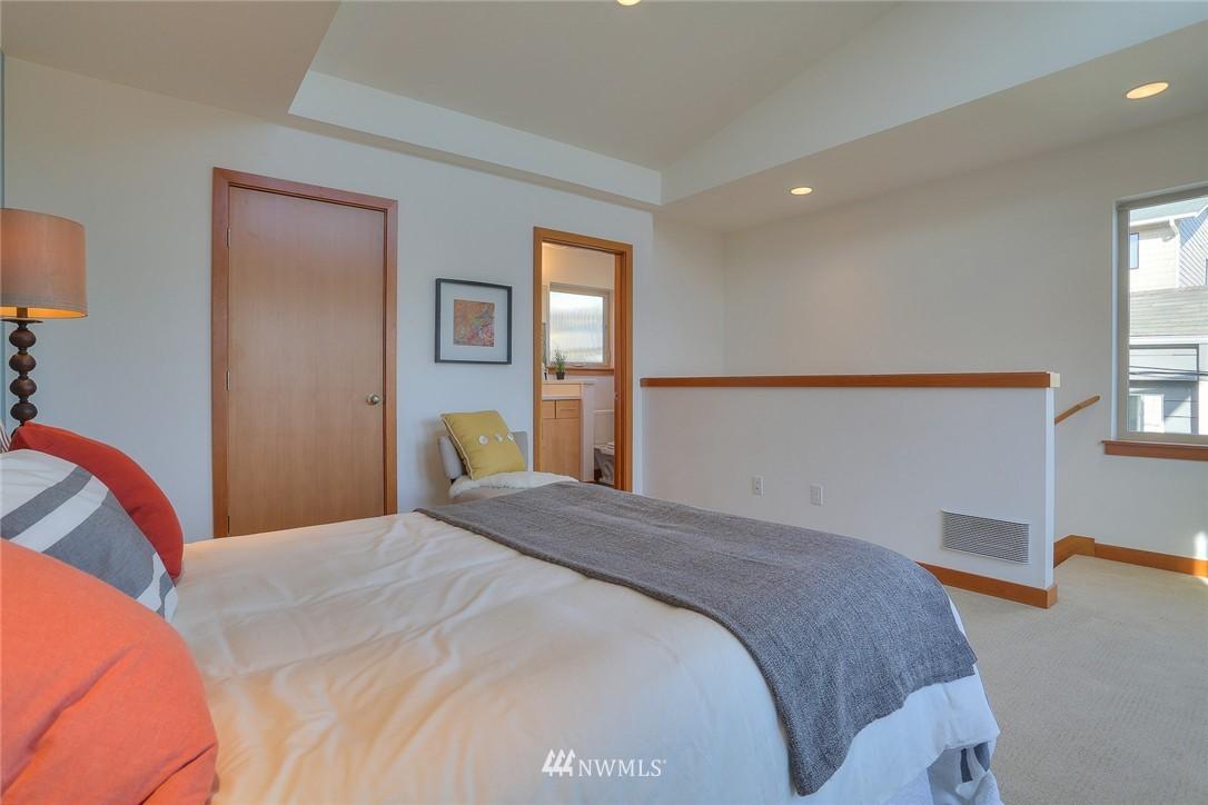Sold Property   912 NW 51st Street #B Seattle, WA 98107 13