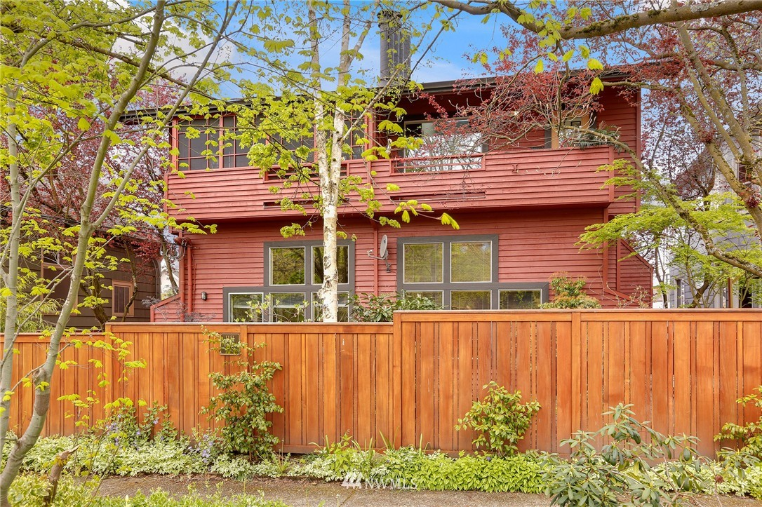 Sold Property | 1111 15th Avenue #8 Seattle, WA 98122 0