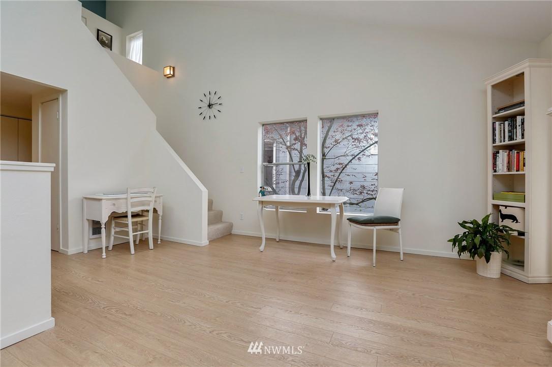Sold Property | 1111 15th Avenue #8 Seattle, WA 98122 11