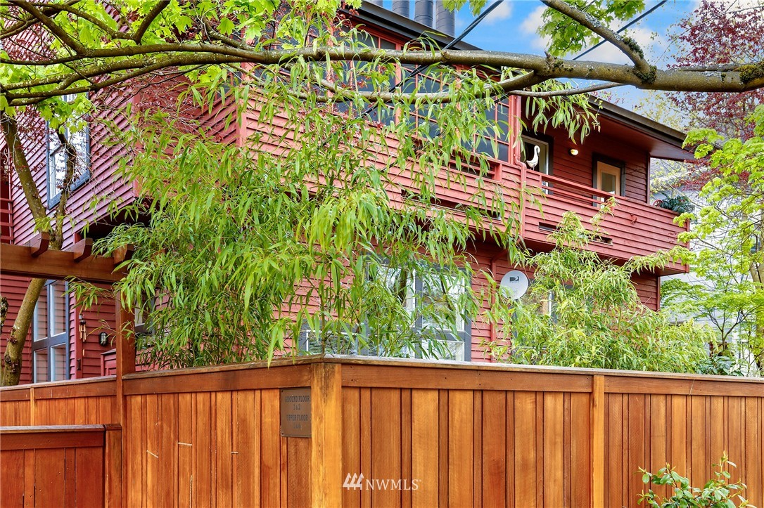 Sold Property | 1111 15th Avenue #8 Seattle, WA 98122 18