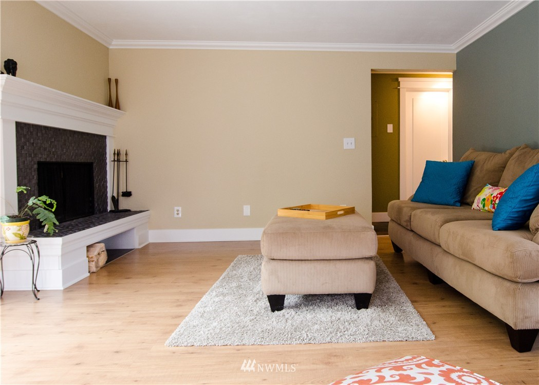 Sold Property   6200 24th Avenue NW #103 Seattle, WA 98107 3